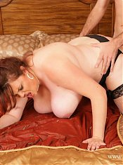 Fat sexy Amber Foxxx sucking and fucking